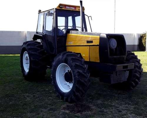 Tractor Valtra Bh140, año 2007