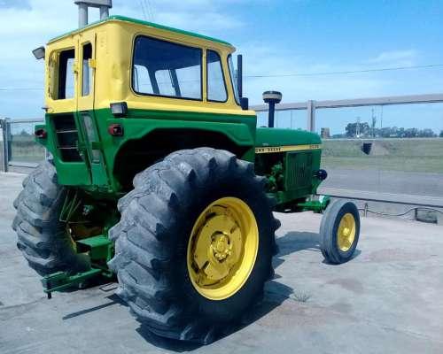 Tractor John Deere 3530, año 1978