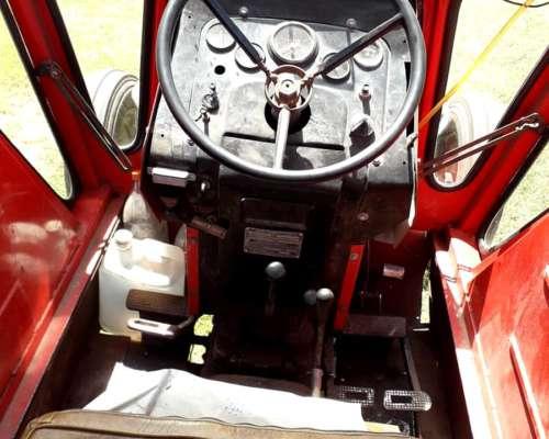Tractor Massey Ferguson 1175, Lezama