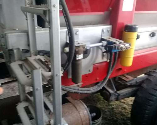 Fertilizadora Fertec 6000 Disponible
