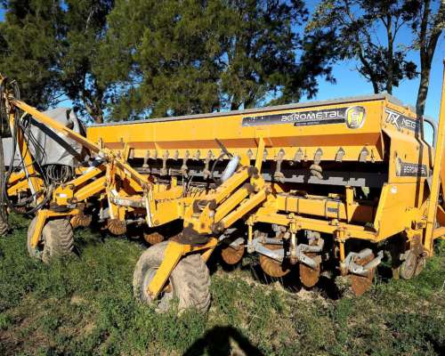 Agrometal TX Mega Neumática 22 Surcos a 52 C/doble Fertiliz