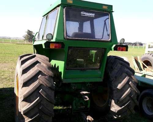 Tractor John Deere 4420. Disponible