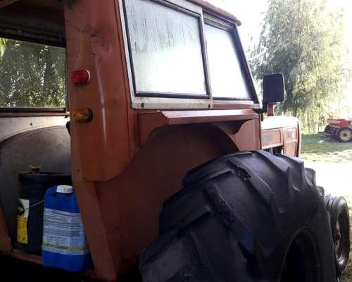 Tractor Fiat 700 e con Direcc.hi