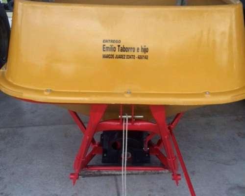 Fertilizadora Tanzi de 1500 Lts
