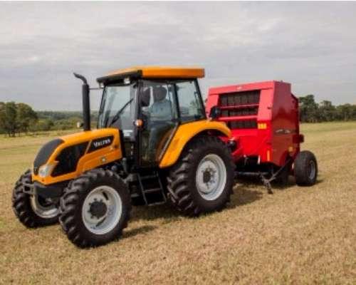 Tractor Valtra A750 30 de Agosto