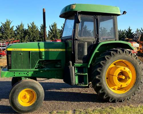 John Deere 6500 con Tres Puntos - Traccion Simple