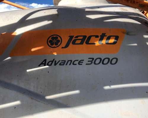 Pulverizadora Autopropulsada Jacto Advance 3000