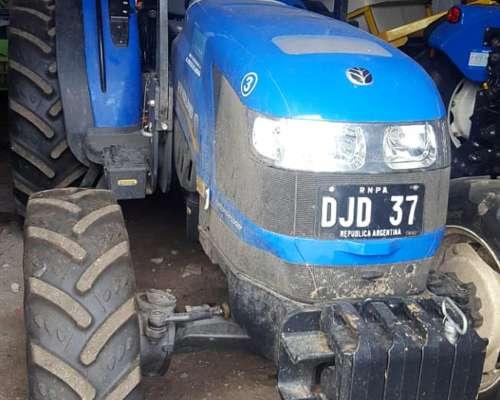 Tractor New Holland, Td85f con 300 Horas, Igual Nuevo