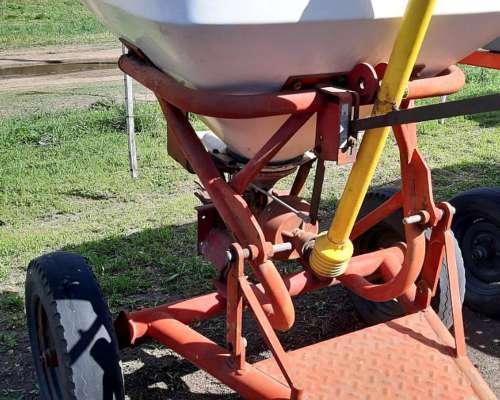 Fertilizadora JAM Pendulo 800kg Conv y 3p