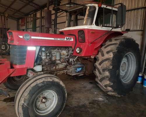 Tractor MF 1095 con 24,5 X 32 muy Bueno