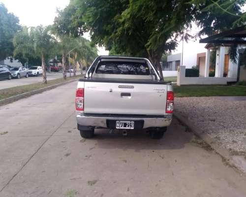 Toyota Hilux SRV 4X4 - Primera Mano- Full -cuero-manual