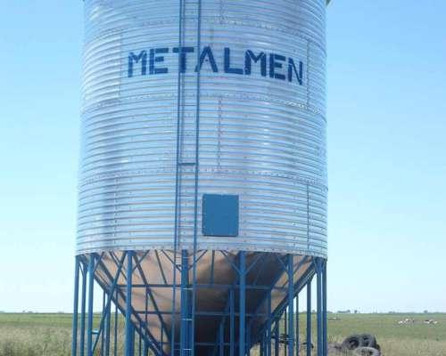 Silos Metalmen. Colonia Menonita