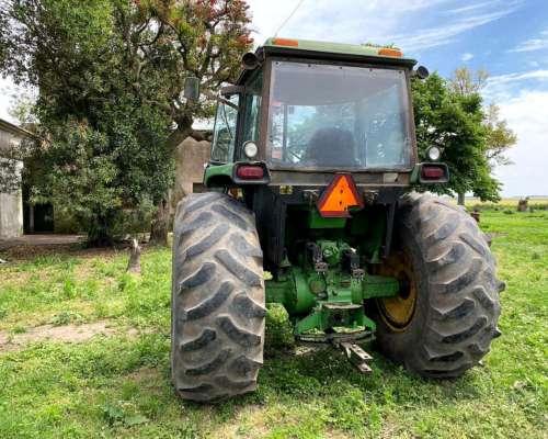 Tractor - John Deere 4930