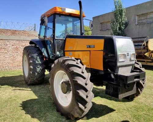 Tractor Valtra BH 140 con Cabina
