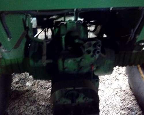 Tractor John Deere 3350 año 1988