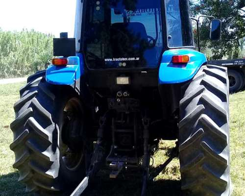 Tractor New Holland 95 HP con Cabina
