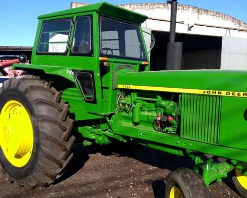Tractor John Deere .