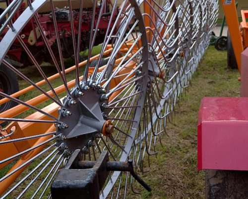Rastrillo Lateral Metalbert de 8 Soles ( 0 Km)disponible