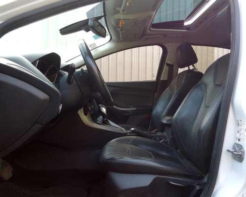 Exc. Estado. km Reales. Vendo Ford Focus 5p SE Plus AT 2015