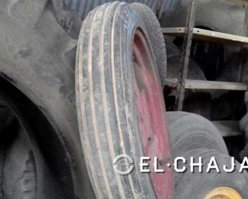 Llanta Y Cubierta Agrícola Tractor Armada 4.00-19