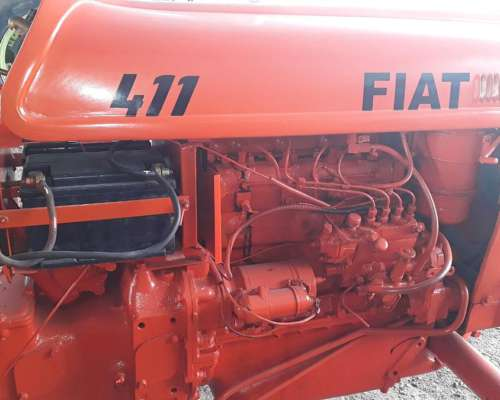 Tractor Fiat 411 .