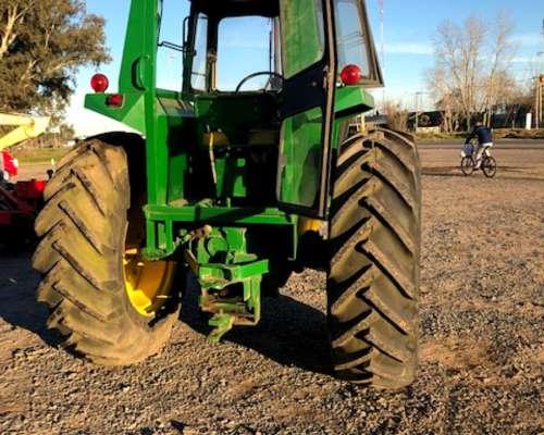 Tractor Jhon Deere 3530