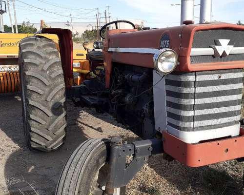 Vendo Tractor Massey 1075