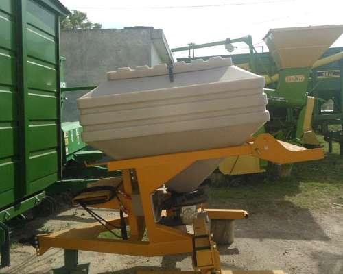 Fertilizadora EDR 1500 C/ Balancín Pozzi