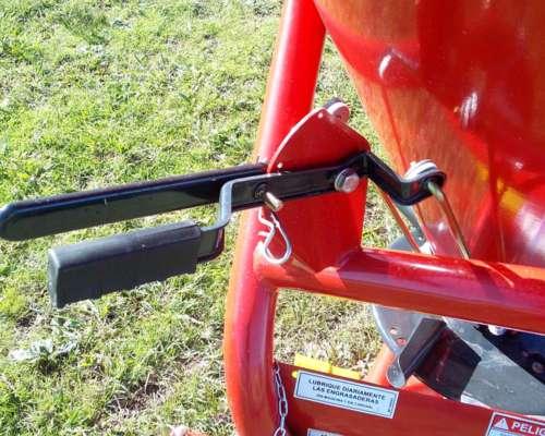 Fertilizadora Yomel para 3 Puntos de 360 Litros