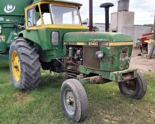 John Deere 2140 con Rodado 18.4x34