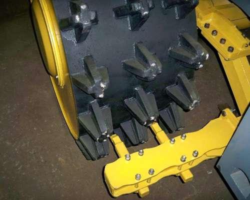 Ruedas y Topadora Compactador Michigan