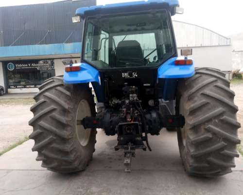 Tractor New Holland TM150