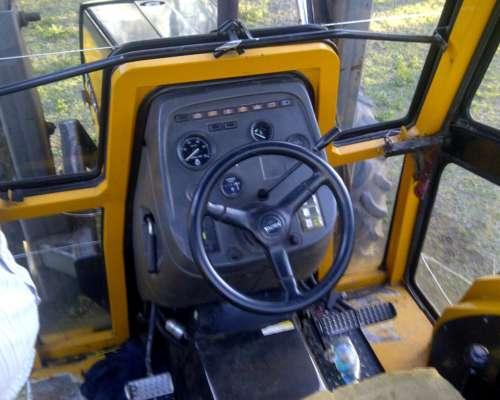 Valtra Tractor Doble Tracion