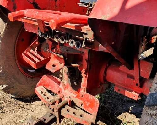 Tractor Fahr 86 con Pala. Motor 2114. sin Cabina