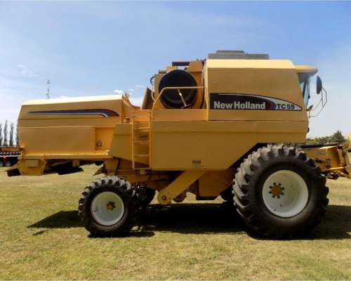 Cosechadora New Holland TC 59, año 2004