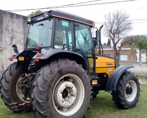 Tractor Bm100. Valtra Usado