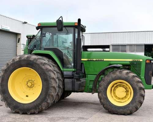 Tractor John Deere 8300, año 1999