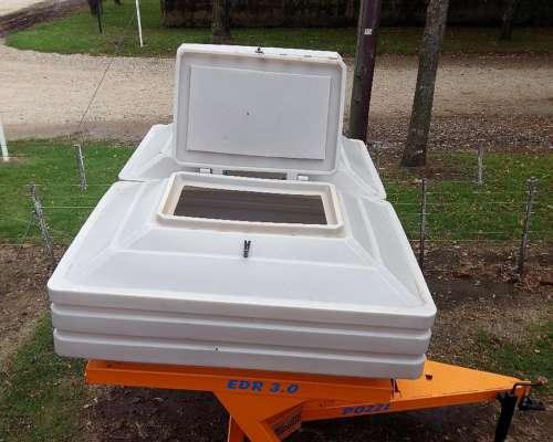 Fertilizadora de Solido a Plato 3000 Kg Pozzi Disponible