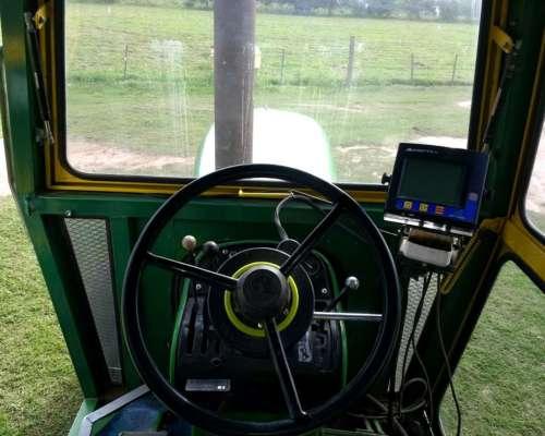 Tractor John Deere 5020 C/motor 180 HP