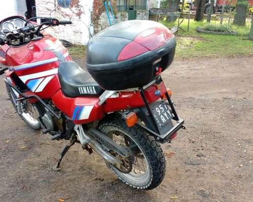 Moto Yamaha Mod 1995