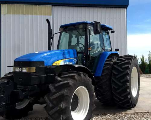 Tractor NH TM 150, año 2006