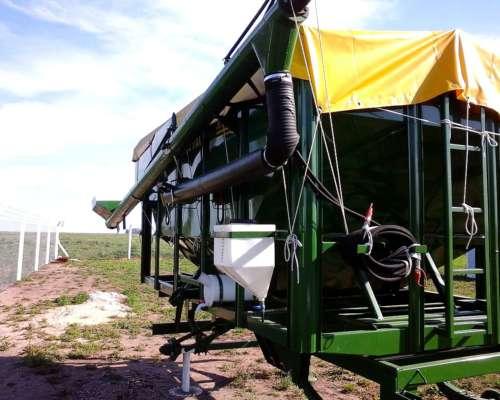 Tolva Semilla Y Fertilizante Con Chimango De 10tn