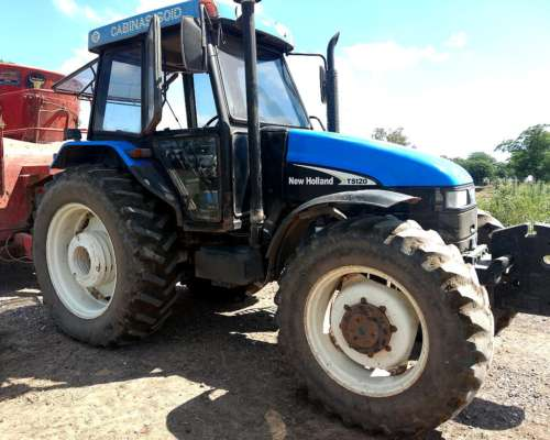 Tractor New Holland TS 120 con Cabina