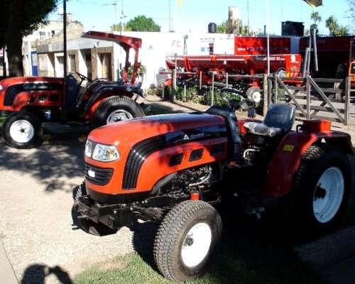 Tractor Hanomag 30 HP Vende Cignoli Hnos