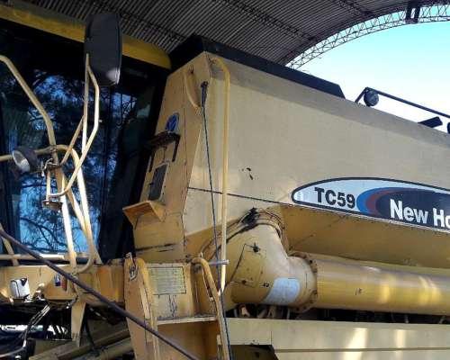 Cosechadora New Holland TC59 2wd con Plataforma 23 Pies