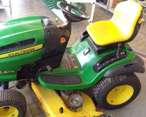 Tractor de Jardin John Deere LA175